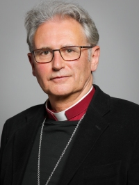 Official_portrait_of_The_Lord_Bishop_of_Coventry_crop_2,_2019